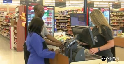 The wife of a customer is in need of a new kidney, a cashier offers spontaneously of their own