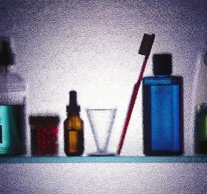 Nonprescription antibiotic use seems prevalent in the United States