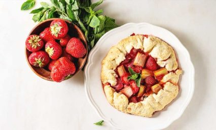 14 Strawberry Rhubarb Recipes We Can't Get Enough Of