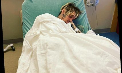 Aaron Carter Shares Photo from Hospital: 'Mommas Gonna Take Care of You'