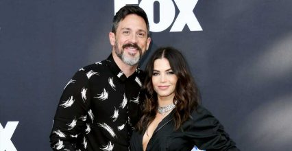 Prep Time! Steve Kazee Reads Book for New Dads Ahead of Jenna Dewan's Birth
