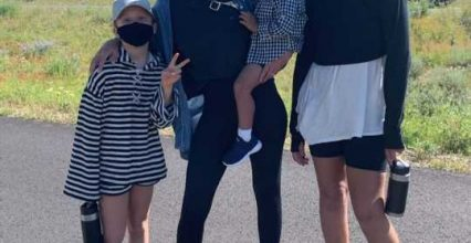 Jessica Alba Cries in Sweet Post When Realizing Her Daughter Honor, 12, Is Taller Than Her